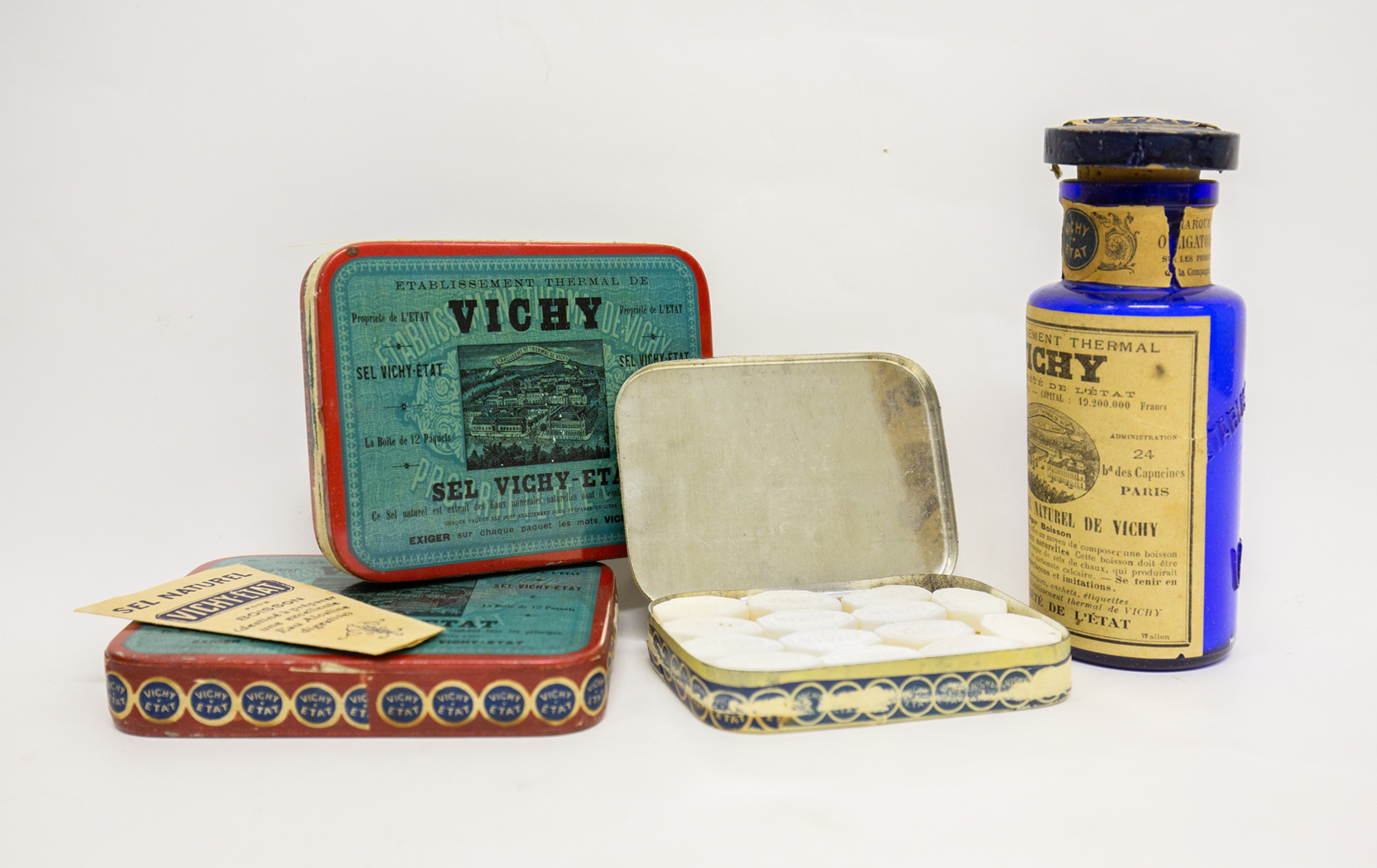 Salt, mineral pastille and tablets by various manufacturers from the Vichy springs in France. First half of the 20th century.